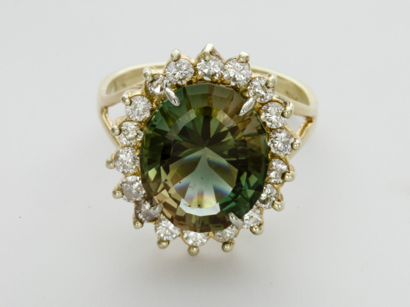 8.4ct Green Sunstone, Yellow Gold Ring with Diamonds (S333R)