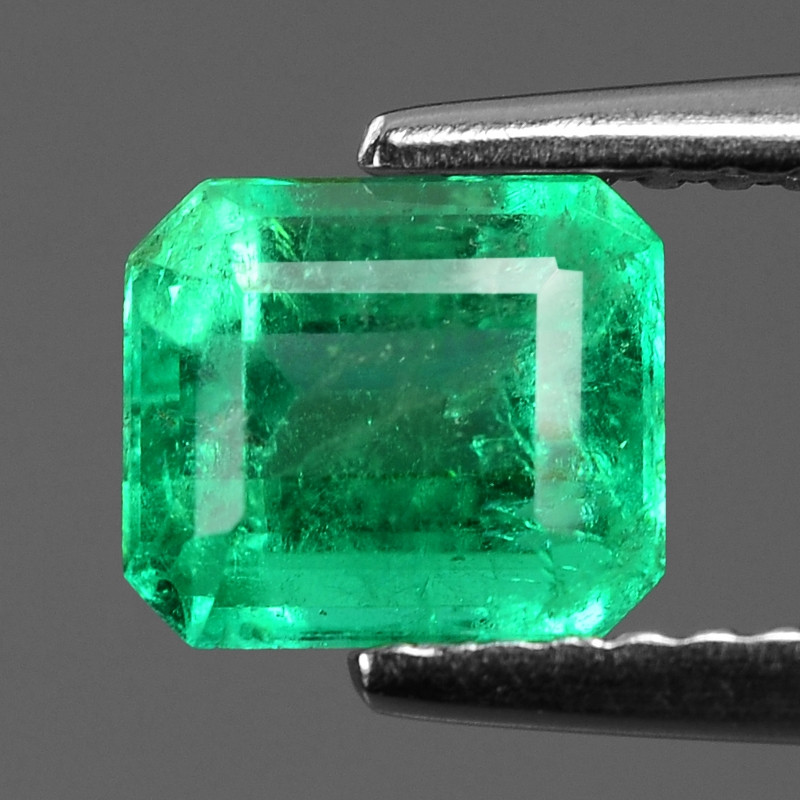 1.23 Cts NATURAL EARTH MINED GREEN COLOR COLOMBIAN EMERALD LOOSE GEMSTONE