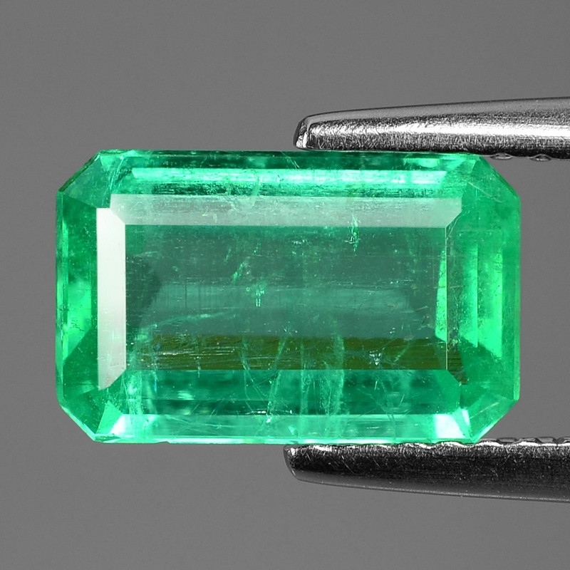 2.00 Cts NATURAL EARTH MINED GREEN COLOR COLOMBIAN EMERALD LOOSE GEMSTONE