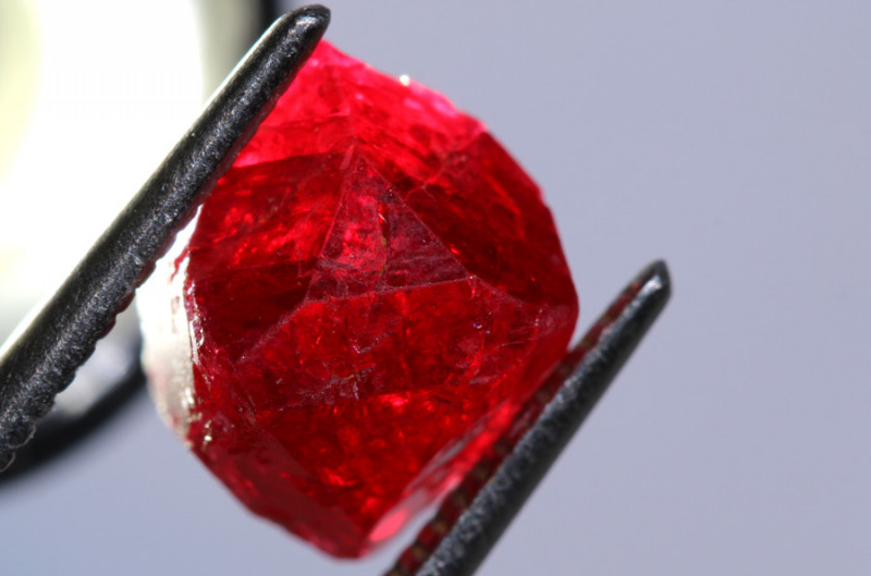 4.90CTS - BURMA SPINEL ROUGH   RG-4509