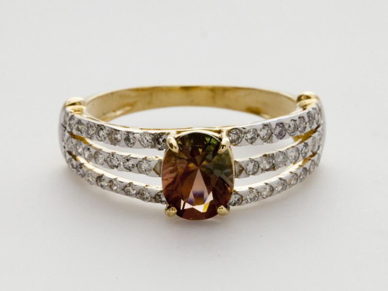 1.1ct Red Sunstone Gold Ring with Diamonds (S1860R)