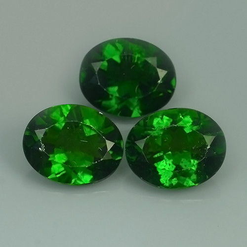 10.50 CTS ATTRACTIVE ULTRA RARE NATURAL CHROME DIOPSIDE