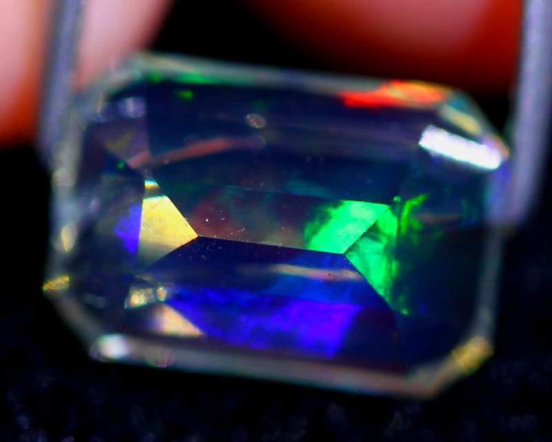 Crystal Opal 2.48Ct Natural Ethiopian Faceted Opal D2322