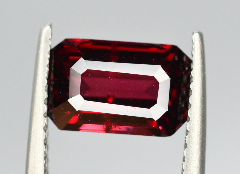 AIG CERT  Rare 2.35 Ct Marvelous Color Natural Red Spinel From Burma