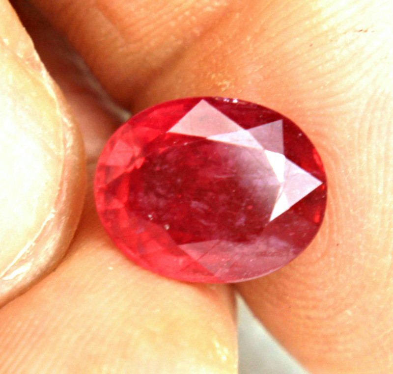 7.58 Carat Vibrant Red Ruby - Gorgeous