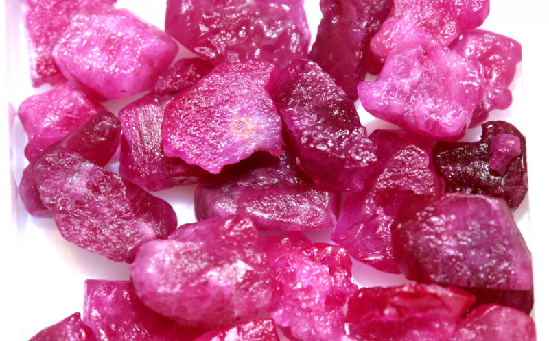 20-CTS BURMA RUBY ROUGH RICH PINKY RED PARCEL   RG-4663