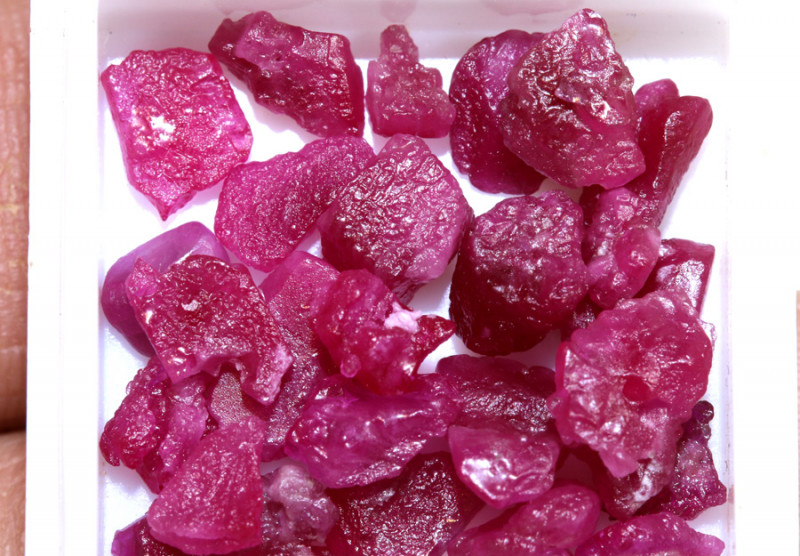 20-CTS BURMA RUBY ROUGH RICH PINKY RED PARCEL   RG-4670