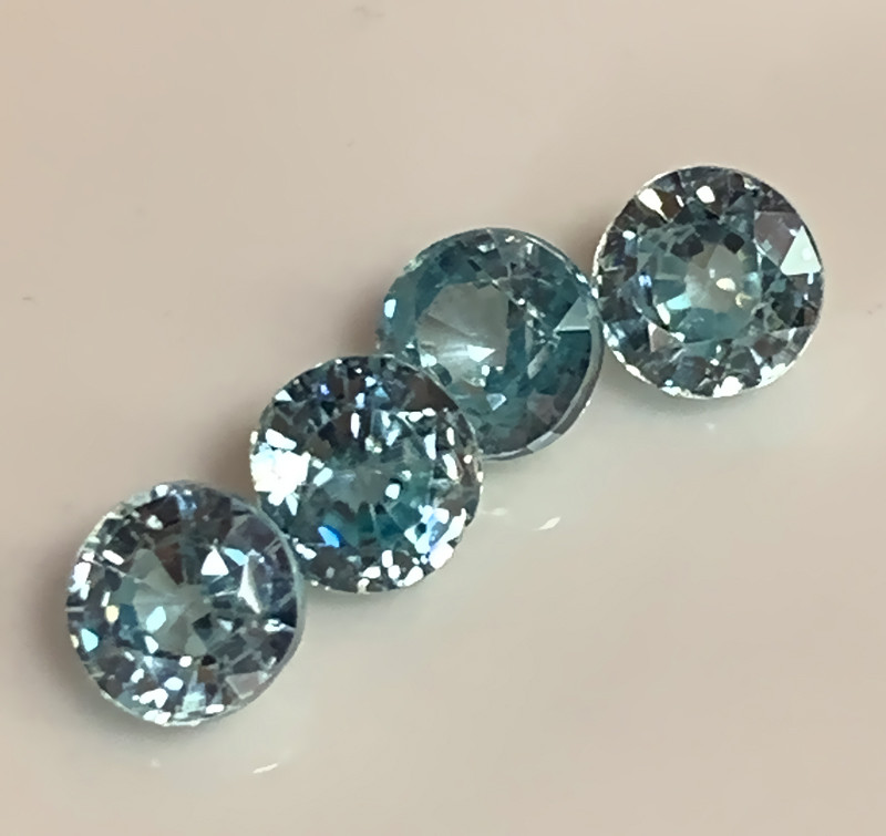 Four Sparkling Blue Zircon gems - 5.0mm No reserve ~