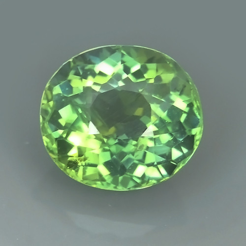 4.00 CTS WORLD CLASS RARE COLLECTION - 100 % NATURAL TOP GREEN APATITE OVAL