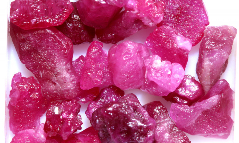20-CTS BURMA RUBY ROUGH RICH PINKY RED PARCEL   RG-4701