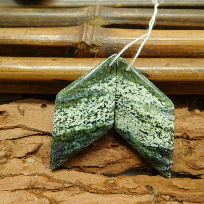 Green gemstone earring green zebra earring (G1356)