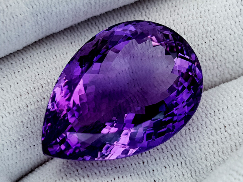 50Ct Natural Amethyst Gemstones IGCam36