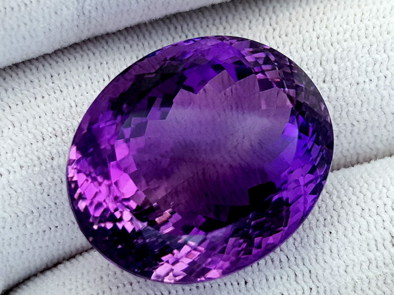 51Ct Natural Amethyst Gemstones IGCam41