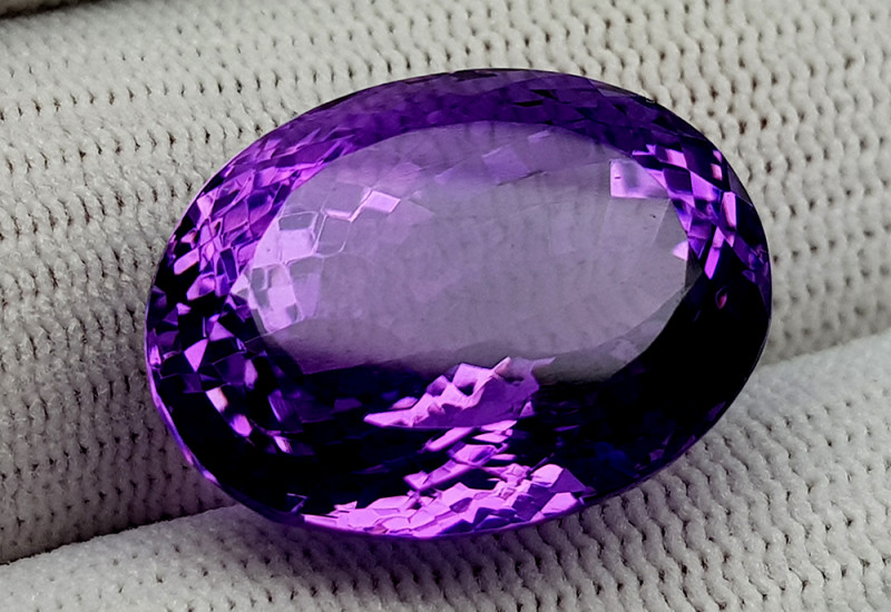 30CT NATURAL AMETHYST GEMSTONES IGCAMTH30