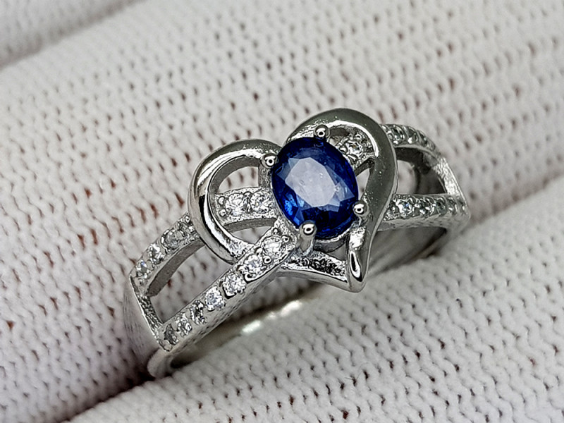 14CT BLUE SAPPHIRE 925 SILVER RING 6 IGCSR05