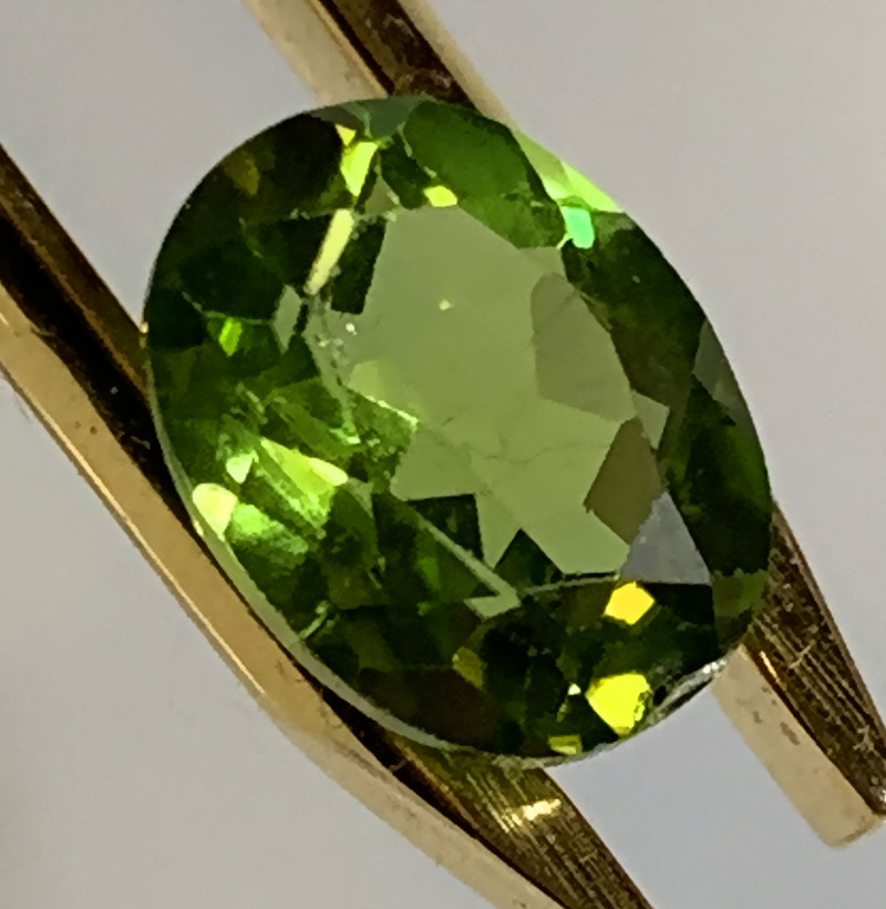 ⭐2.02ct Bright Green Peridot Gem - No reserve