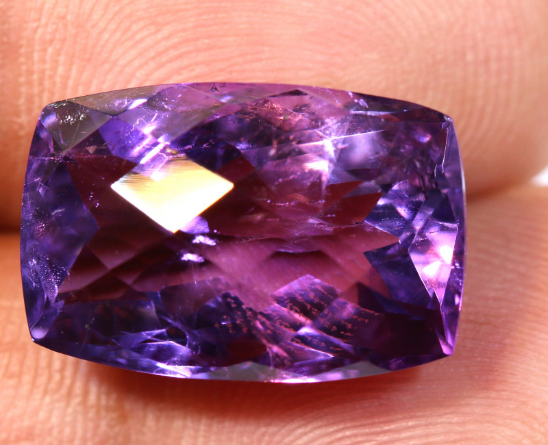 16 CTS AMETHYST FACETED STONE CG-2395