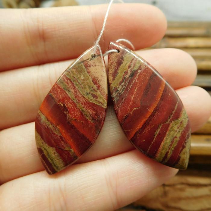 Natural red jasper gemstone earring bead (G1530)