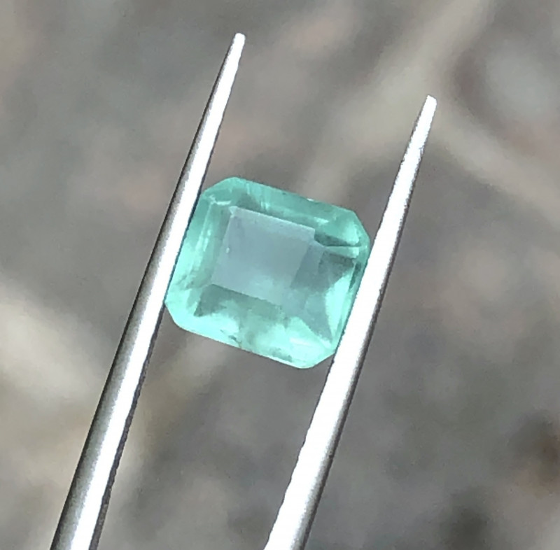 2.30 Ct Natural Green Semi Transparent Amazing Color Emerald Gemstone