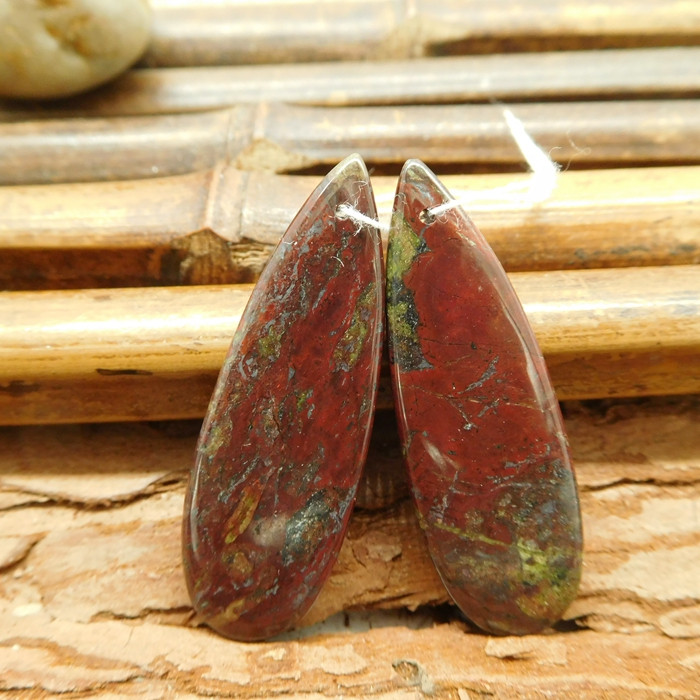 Dragon bloodstone red earring pair stone (G1579)