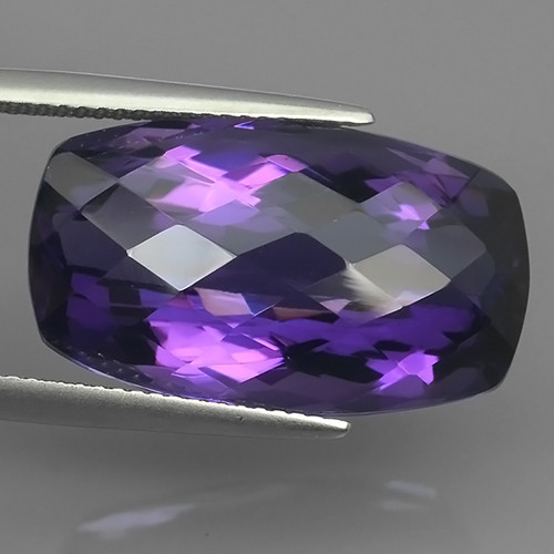 20.20 Cts Natural Purple Amethyst Exquisit cushion Cut Glister