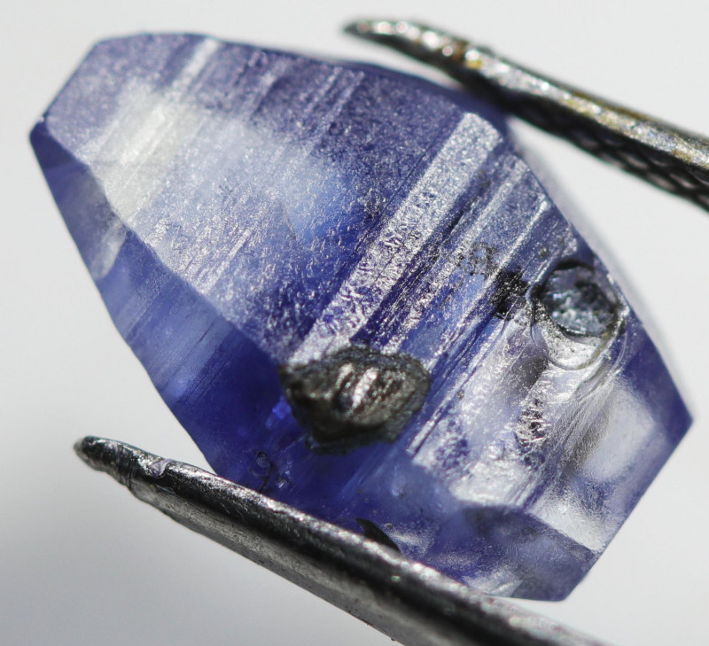 3.65 CTS SAPPHIRE BLUE CRYSTAL  FROM SRI LANKA [S-SAFE 208]