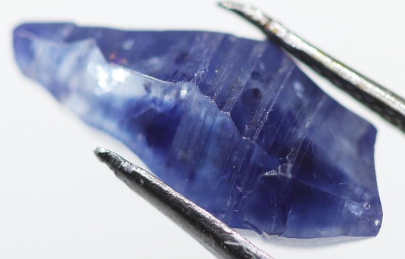4.10 CTS SAPPHIRE BLUE CRYSTAL  FROM SRI LANKA [S-SAFE 211]