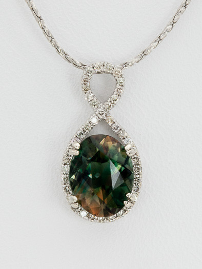 1.4ct Green/Rootbeer Oval Oregon Sunstone Pendant (S1612P)