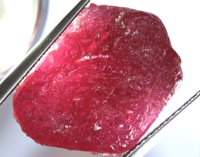 22.50 -CTS RICH RED RUBY ROUGH RG-4713