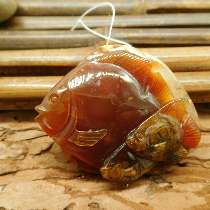 Natural red agate carving fish pendant (G1789)
