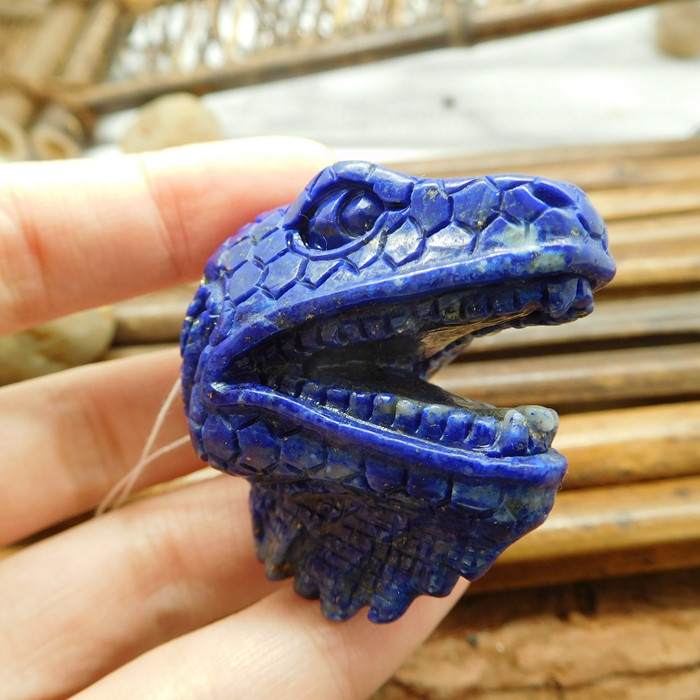 Blue lapis lazuli carved lizard head pendant (G1793)
