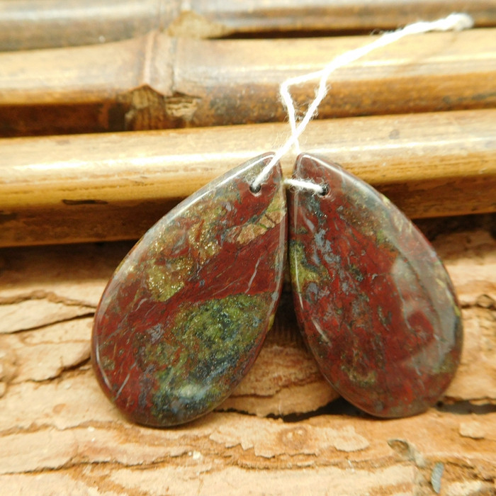 Natural pair earring dragon bloodstone pair earring (G1835)
