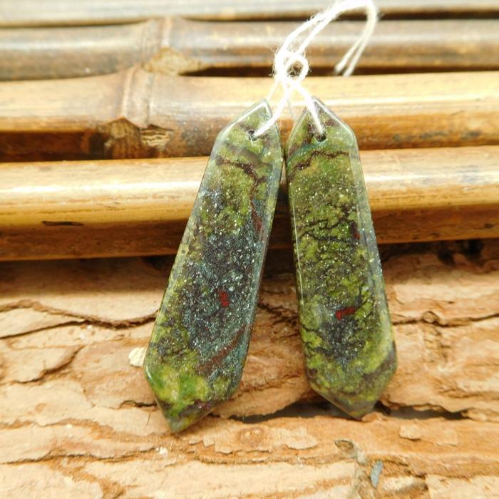 Natural bloodstone pair gemstone jewelry (G1841)