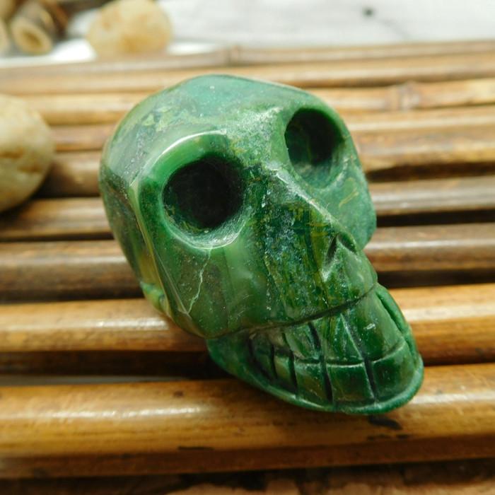 African jade gesmtone skull carving (S0001)