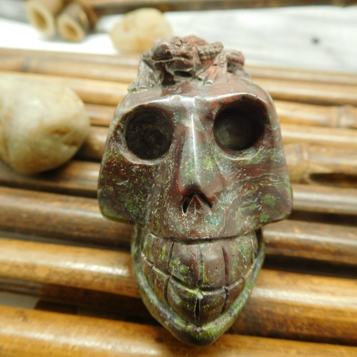 Dragon bloodstone carved skull decoration (S040)