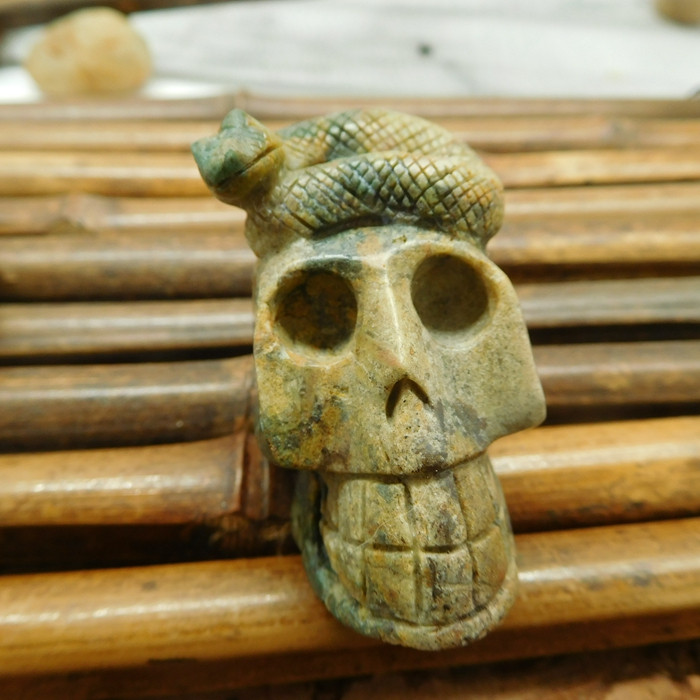 Green turquoise carving skull snake decoration (S045)