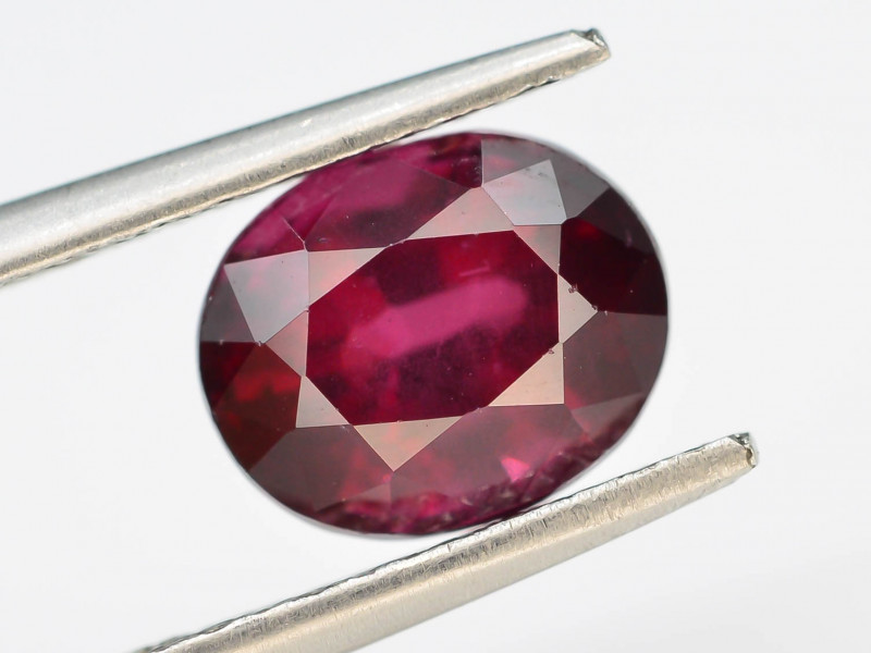 2.55 CT RHODOLITE GARNET FROM MALAY AFRICA T