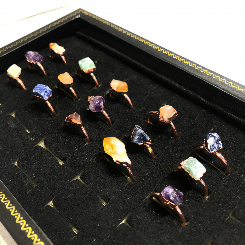 Five types Raw Gemstones in Copper Rings 15 pcs BR 2307