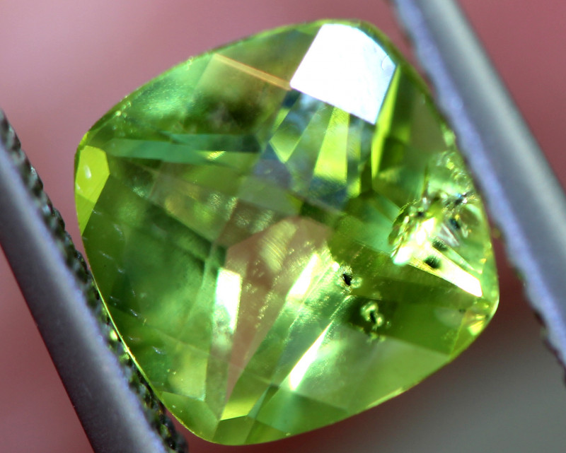 1.60 CTS GREEN PERIDOT FACETED    CG-2758