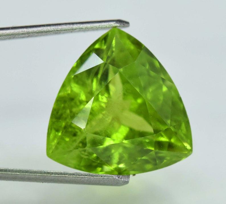 7.25 Carats Peridot  Gemstone