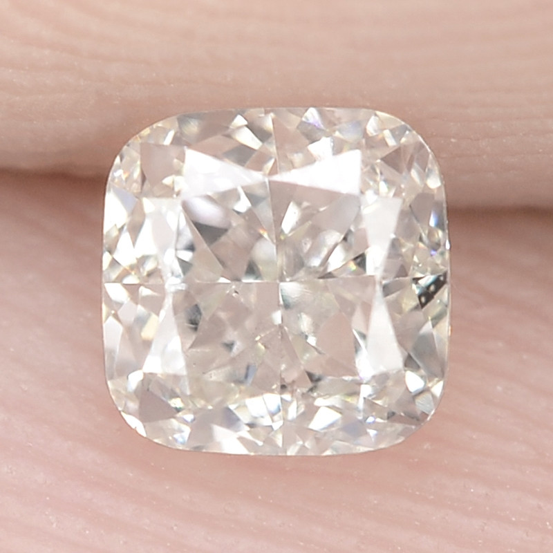0.45 Cts Untreated White