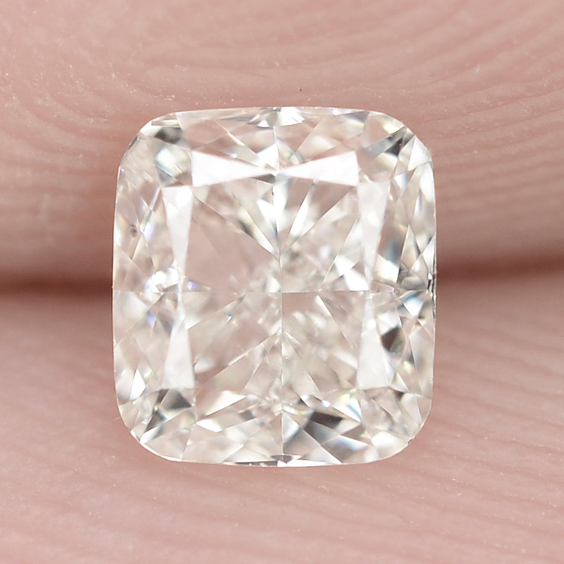 0.40 Cts Untreated White