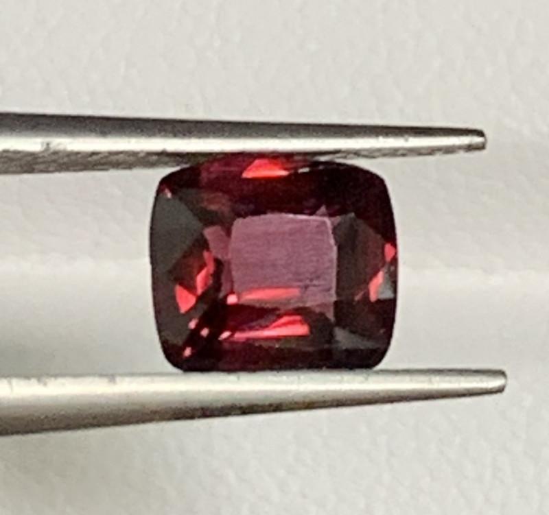 1.40 Carats Spinel Gemstones