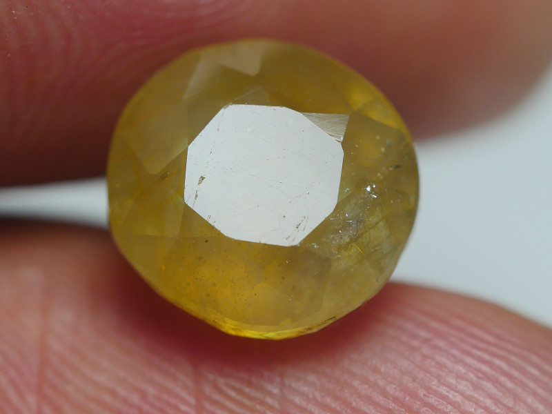 5.90 CRT BEAUTY TRANSLUCENT YELLOW SAPPHIRE FACETED-