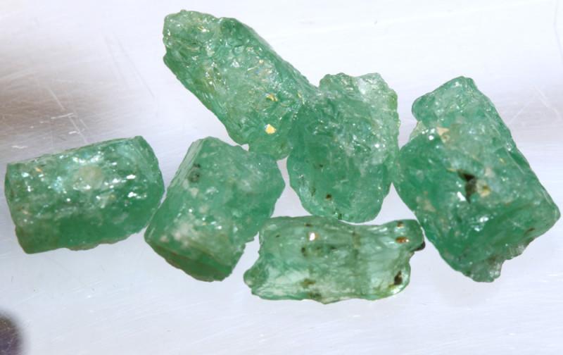 10.25- CTS Emerald Rough  Parcel RG-4804