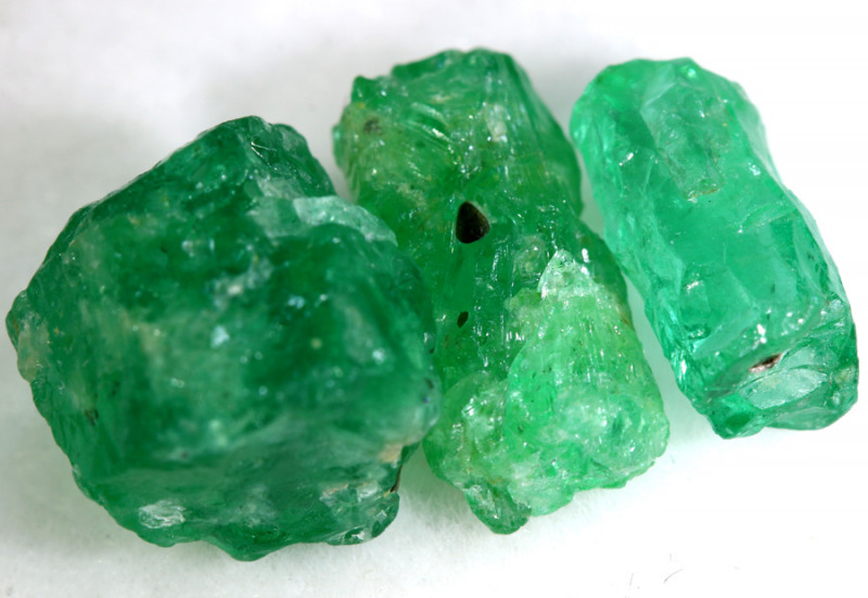 7.40 - CTS Emerald Rough  Parcel RG-4825