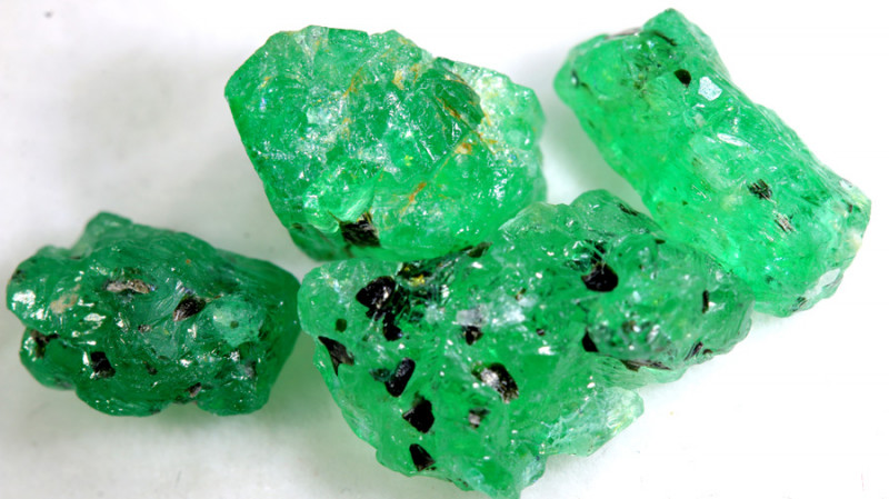 10 - CTS Emerald Rough  Parcel RG-4826