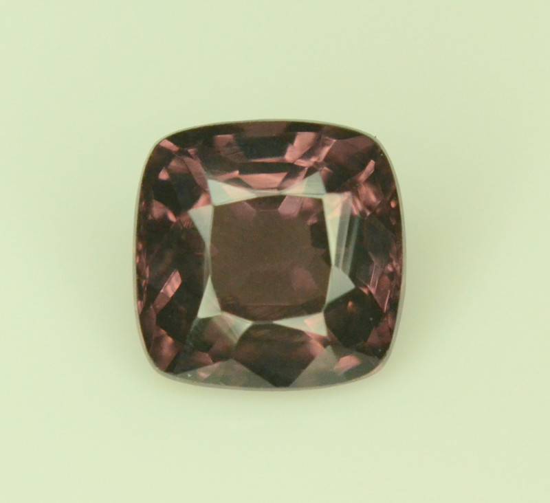 1.40 ct NATURAL PINK SPINEL FROM TAJIKISTAN