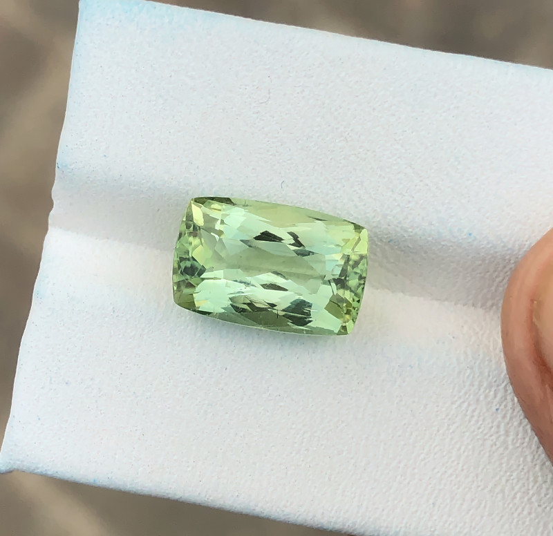 5.45 Ct Natural Green Transparent Tourmaline Gemstone