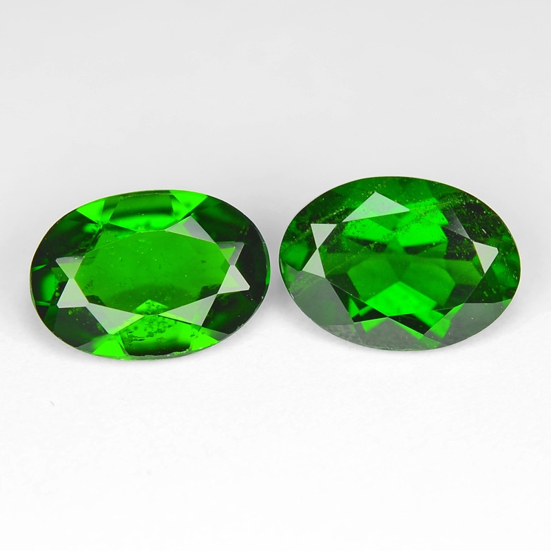 1.52 Cts 2pcs Natural Green Color Chrome Diopside Loose Gemstone 7x5 mm